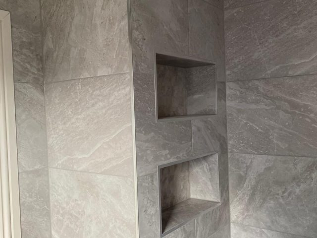 2 Bath 8